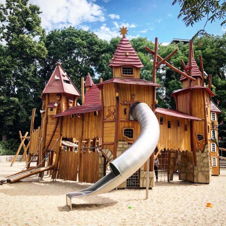 Märchenspielplatz im Heinrich-Lassen-Park